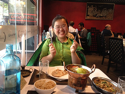 Chinese blogger, Rose Jin, and her friend from Beijing University went for an indian meal