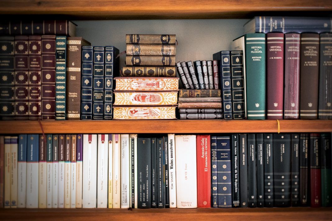Law books - how to become a lawyer in Australia