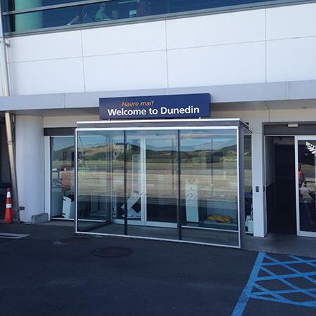 Dunedin-Airport-Sign